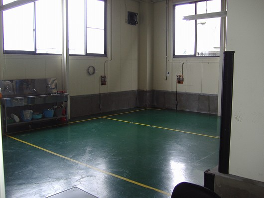 京都南区の工場内の作業場