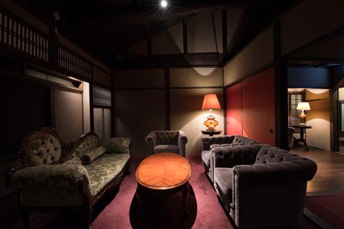 レストラン高須賀2階、BAR椿